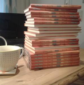 """Bücherstapel """"Marie und die Sache mit Papas neuer Freundin"""""""